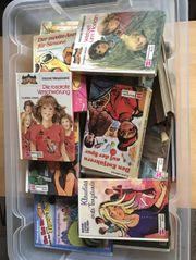 Eine Kiste Kinder Bücher alle