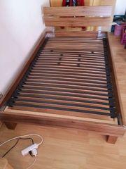 120er Bett mit Lattenrost