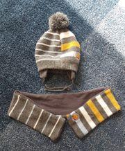 neuwertige Mütze und Schal von