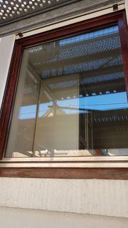 Holzfenster mit Rolladenkasten