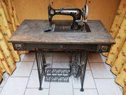 Antiqitäte Nähmaschine Köhler mit Tisch