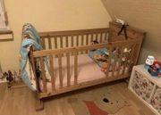 Massives Kiefer Baby- Kinderbett mit