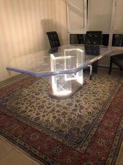 Plexiglas Tisch mit 7 Stühle
