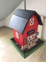 Vogelhäuschen Farm bunt zum Aufhängen