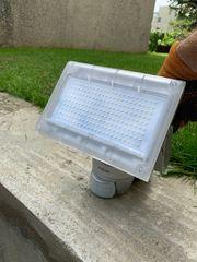 LED Strahler mit Bewegungssensor