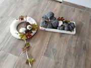 Herbsttürkranz und Tischschmuck
