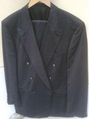 Herrenbekleidung ca 40 Teile Anzüge