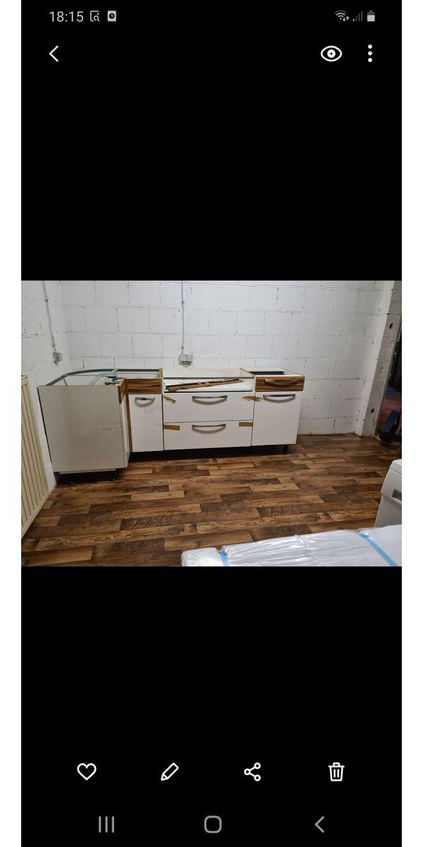 gebrauchte Küche mit Spülmaschine