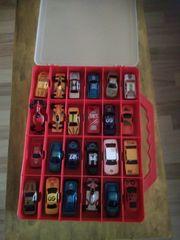 Koffer mit 30 Autos