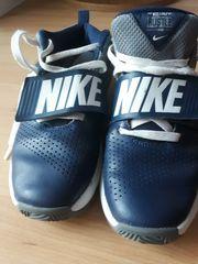 NIKE Schuhe Gr 38 Team