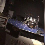 Punkband sucht Drummer