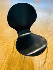 13 Stühle Stapelstühle schwarz