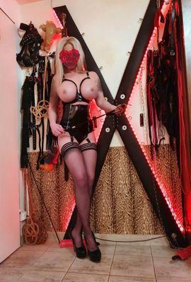 Bars, Clubs & Erotikwohnung - Domina Göttin Lady Sara