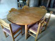 Tisch mit 6 Stühlen
