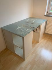 Schreibtisch mit 2 Kallax Regalen