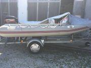 Festrumpf Schlauchboot mit Motor 40