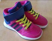Adidas halbhohe neuwertige Schuhe Gr