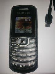 Zwei Handys Sony Ericsson u