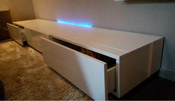 TV-Lowboard mit 3 Schubladen mit
