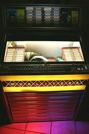 Wurlitzer Lyric Musikbox Jukebox aus