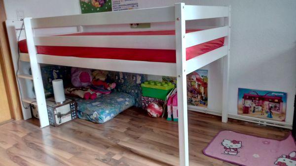 Kinderbett mit Lattenrost und Matratze