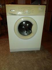 Waschmachine von Whirpool und Trockner