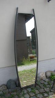Gardarobe mit Spiegel