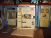 Verkaufe blaues Barbiehaus