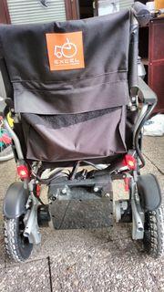 Excel Aries E-Rollstuhl mit Rest
