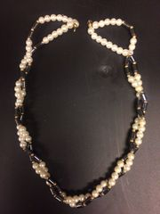 Perlenketten - Sortiment bestehend aus 7
