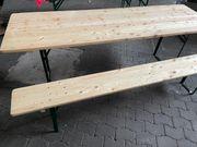 Bierzeltgarnitur Tisch und eine Bank