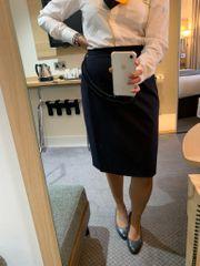 Stewardess verkauft getragene Höschen Strumpfhosen