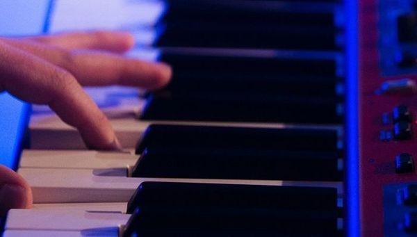 Keyboarder sucht Band