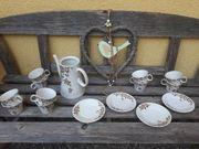 altes Kaffeegeschirr für den Sommer