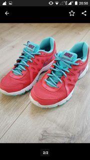 Damen Nike Schuhe Revolution 2