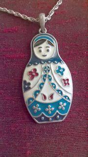 Halskette mit Anhänger Matroschka-Puppe