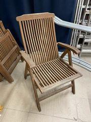 6 Holzstühle und Tisch