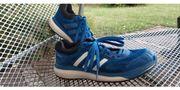 Adidas Response blau Gr 5