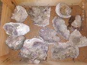 lila Mineralien und weitere Gesteine