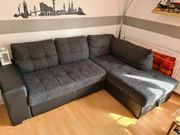 Sofa mit Schlaffunktion und Bettkasten