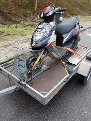 TGB Motorroller mit Gabelschaden