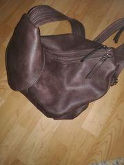 Handtaschen verschiedene Modelle Größen und
