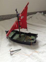 Piratenschiff mit Beiboot