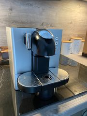 Nespresso DeLonghi Kaffeevollautomat