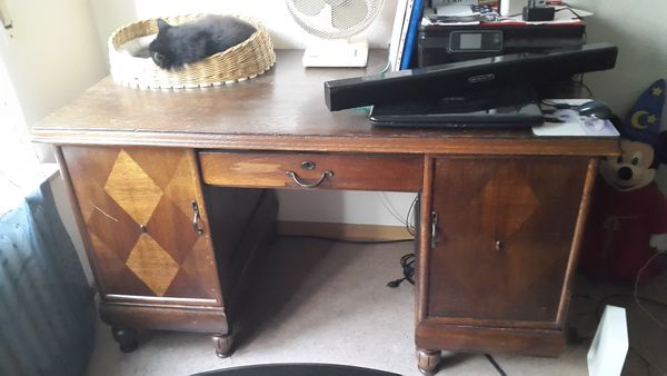 Antiker Schreibtisch