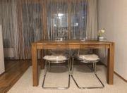 Esstisch ohne Stühle