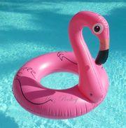 Großer aufblasbarer Schwimmring Flamingo Style