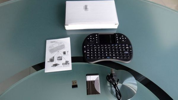 Mini-Funktastatur mit Touchpad Multimedia-Tasten in