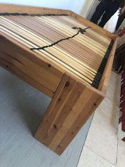 massiv Holzbett mit Lattenrost zu
