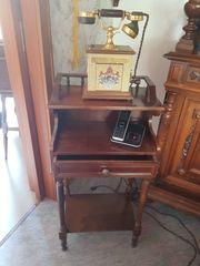 Älteres Telefontischchen dunkles Holz Nussbaum